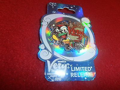 1 Disney Pin 3D 2016 LR Mickey Very Merry Christmas Party  New   As Shown.lot AA