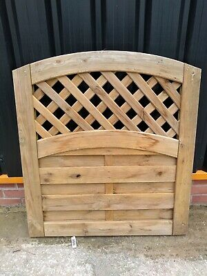 Wooden Garden Gate Lattice Curved Top 0.9m x 1m (W x H) Collection Only