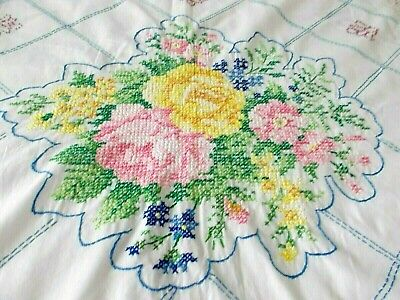 GORGEOUS VTG HAND EMBROIDERY CROSS STITCH STAMPED LINEN TABLECLOTH FLoral