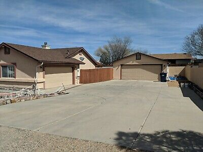 Prescott Valley, AZ HOME. 1698 Sq.FT. 3 bedroom 2 bath. 4 Car garage. POOL