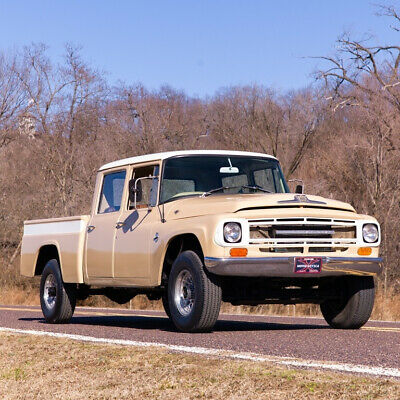 1968 International Harvester Travelette Pickup 1200 4x4 1968 International Travelette Pickup 1200 4x4 392 V8