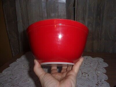 Pyrex vintage 1950's fire engine red primary mixing bowl 402 1-1/2 qt. EUC