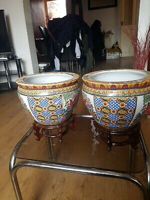 Vintage Chinese Hand Painted Fish Bowl Jardiniere & Stand.
