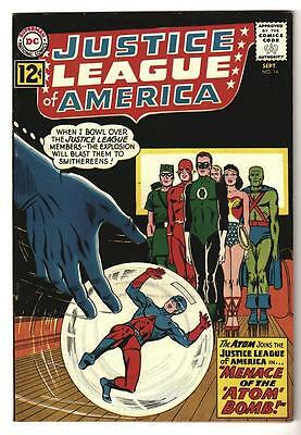 DC Comics FN+ 6.5- JUSTICE LEAGUE AMERICA  #14  batman Mid grade