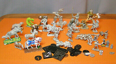 lot de 30 FIGURINES GRENADIER WARHAMMER METAL G. W. ral parha