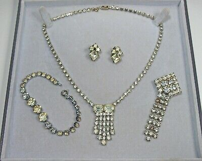 Small Lot of 4 x Pieces of Vintage Diamante Costume Jewellery