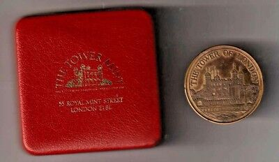 The Tower Of London Limited Edition Medal 1078-1978. Solid Bronze. Cased.