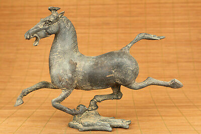 BIG chinese old bronze hand casrved flying horse statue pendant netsuke deco