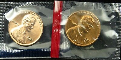 1981 P & D Uncirculated Lincoln Memorial Cent Penny Mint Cello (B03)
