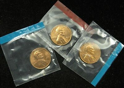 1971 P D & S Uncirculated Lincoln Memorial Cent Penny Mint Cello (B03)