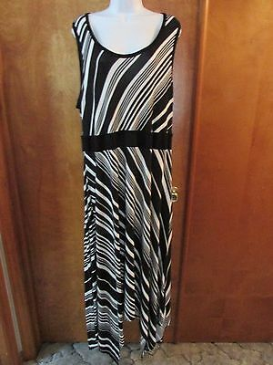 9623772ec5c APT 9 SHARK-BITE Maxi Dress Size Medium Women s Black White Striped ...