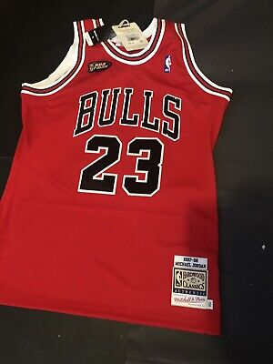 reputable site 32fe1 1a3f8 100% AUTHENTIC MICHAEL Jordan Mitchell Ness 97 98 Finals Bulls Jersey Size  44 L