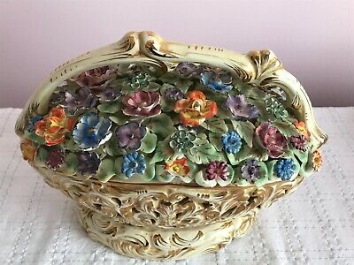 Vintage Beautiful Reticulated Porcelain Capodimonte Styled Flower Table/Tv Lamp