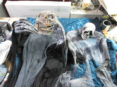 HALLOWEEN DECORATIONS Creepy Halloween Skeletons props Haunted house
