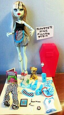 Doll Monster High FRANKIE STEIN  2010 Retired Mattel sd 3