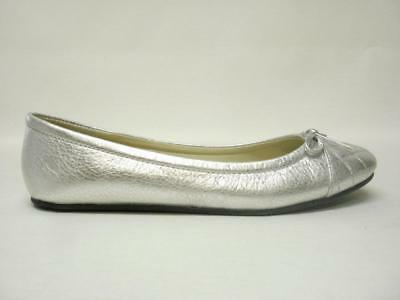 Steve Madden Tipie Silver Leather Flats Sz 8.5M Chic & Sexy