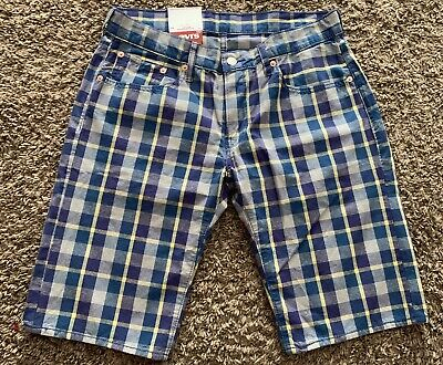 LEVIS 504 REGULAR FIT mens PLAID SHORTS light weight SIZE 32 blue white navy NWT