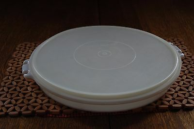 Tupperware #405 Opaque White Party Divided Serving Dish Tray w/ Sheer Seal