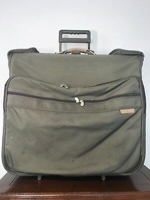 BRIGGS & RILEY Baseline Olive Wheeled Garment Bag Suitcase Rolling luggage GUC