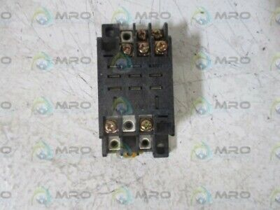 Omron Ptf11A Relay Socket * Used *