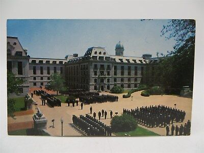 Vintage Postcard - Bancroft Hall - US Navy Academy, Annapolis Maryland - Unused