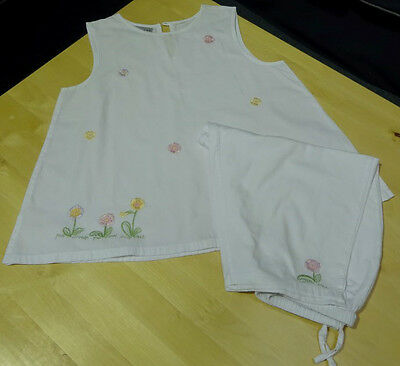 Damask Pyjamas - Girls White 2 Piece Set with Flowers Age 7-8 years - Cute