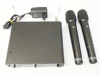 TOA WT-4820 UHF Wireless Tuner + 2 x WM-5270 UHF Hand-held Wireless Microphone
