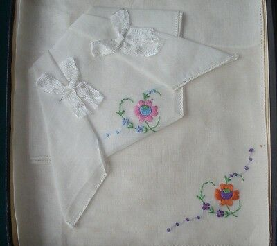 "TWO VINTAGE 1950's? LADIES ""EMBROIDERED FLOWERS"" HANDKERCHIEFS- ORIGINAL BOX"