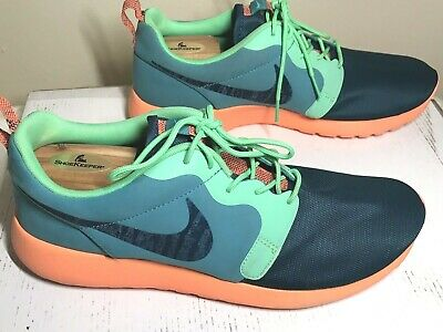 2785ad794288 NIKE Men s Roshe Run Hyperfuse Crimson Shoes in Green-Hyper 636220-300 size  11.5