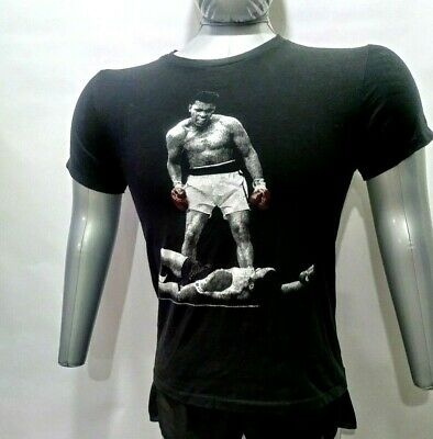"Muhammad Ali Standing over Sonny Liston ""I am the Greatest"" T-shirt"