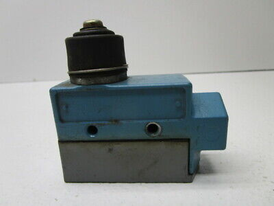 Microswitch Bze6-2Rn Limit Switch * Used *