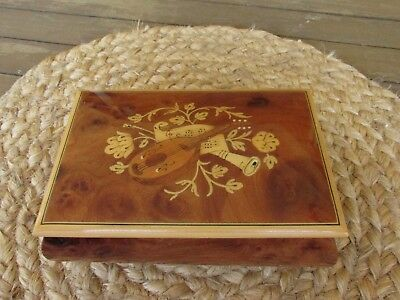 Vintage Italy Floral Inlay Wood Torna a Sorrento Music Trinket Jewelry Box
