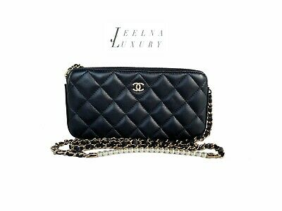 d54e4a4e37fa Auth Chanel 2018 PEARL Limited WOC Double Zip Clutch Wallet on Chain Bag  *MINT*