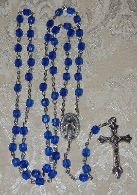 Vtg CATHOLIC ROSARY CRUCIFIX Cobalt BLUE Plastic Beads MEDAL Cross Religious