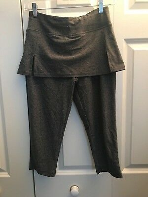 a0f3264ece VOGO Athletica Cropped Capri Athletic Gray Leggings with Skirt Size Small  NWOT