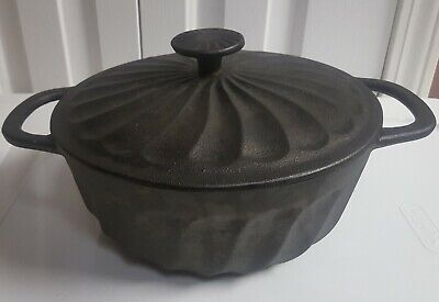 Vintage Paula Dean Cast Iron Covered Round Casserole 3.5 quarts