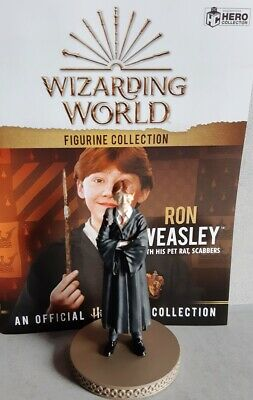 Wizarding World Figurine Collection Harry Potter Ron Weasley with Scabbers Figur