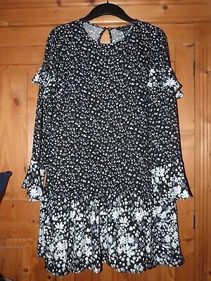 Ladies Black/White Floral/Frilly Smock Dress NEW LOOK Size 14
