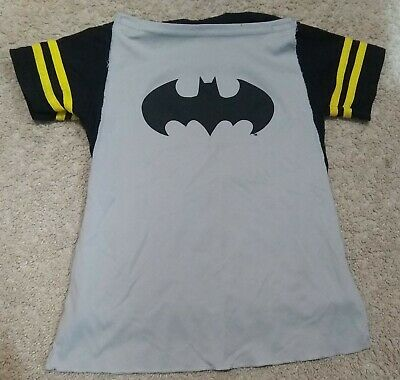 Batman/DC Comics Boys SS Graphic Shirt/Cape/Costume Top-Black/Gray/Yellow-3T