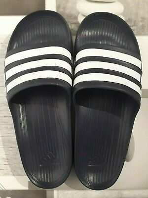 3d94604aa69 CLAQUETTES ADIDAS TAILLE 45 neuves - EUR 15