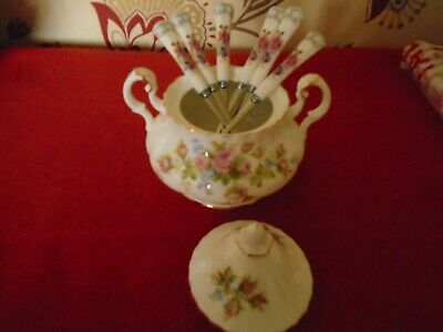 Royal Albert MOSS ROSE LIDDED SUGAR BOWL AND 6 SPOONS TO MATCH****