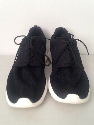 12f7cfda53aad MEN S NIKE ROSHE One Casual Sneakers Black ivory 511881 010 Size 8.5 ...