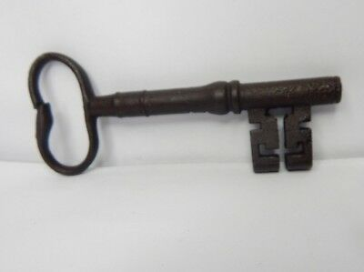19c Victorian 5 inch Bridge Ward  Lock key wire Bow  original v3