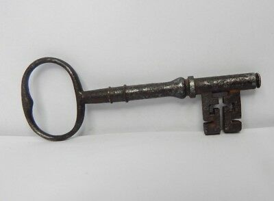 19c Victorian 4. 5 inch Bridge Ward  Lock key wire Bow  original v4