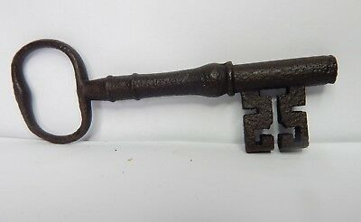 19c Victorian 5 inch Bridge Ward Lock key Wire Bow  original