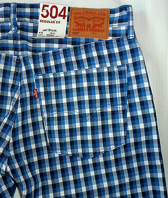 LEVIS 504 REGULAR FIT mens PLAID SHORTS light weight SIZE 30 blue white navy