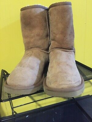 9f8057f22b1 UGG AUSTRALIA WOMEN'S Classic Short Ankle Boots Suede Chestnut 5825 ...