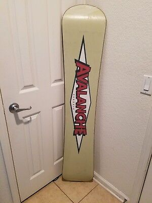 7aaa8fa0135 Vintage Avalanche Classic M6 Snowboard Size 156