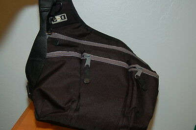DIAPER DUDE BLACK DIAPER BAG CROSSBODY MESSENGER In great condition w/ Changing