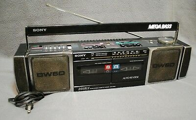 SONY CFS-DW60 Mega Bass, Cassette-Recorder / AM-FM Stereo, JAPAN
